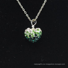 Color al por mayor del gradiente de la llegada de la forma del corazón nuevo Verde y arcilla cristalina blanca Shamballa con el collar de plata de las cadenas