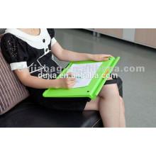 Mesa para laptop com bolsa de feijão acolchoada colorida com design ergonômico