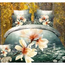 Preciosas camas planas con sábanas estampadas de flores