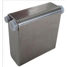 Échangeur de chaleur à plaques brasées à moteur refroidi par eau