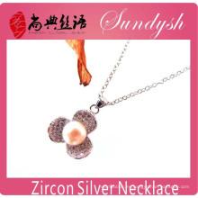 Collar de cadena larga pendiente de los encantos de la flor del Zirconia hecha a mano de la manera