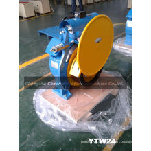 Hot Elevator Gearless Traction Machine 1250KG