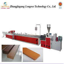 Linha de produção de piso de jardim de madeira de plástico