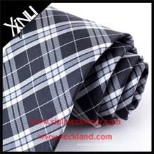 Trockenreinigung Nur Jacquard Woven Silk Neck Tie Plaid Stoff Schwarz und Weiß