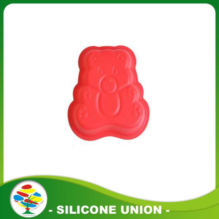 red little bear cake mould