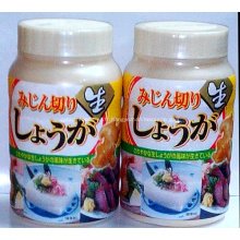 Bouteille réfrigérée assaisonnement dés de gingembre coupé