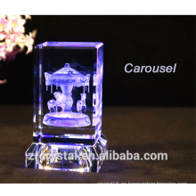 Nuevo 3d laser cristalino carrusel Torre Eiffel cristal cristal rosa pastel de cristal de la historieta Mouse etcetera con base de cristal led