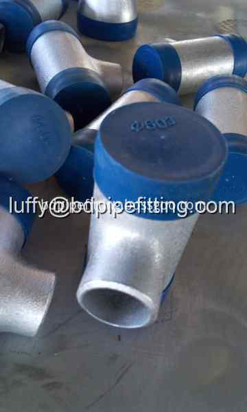Galvanized pipe fitting