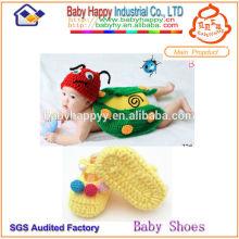 Популярный костюм для вязания крючком нового стиля для детских ботинок