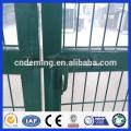 PVC-überzogene grüne Farbe Ral6005 Doppelte / einzelne Tür-Eisen-Draht-Ineinander greifen-Tor