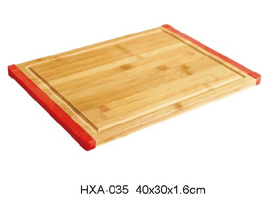 bamboo cutting board with silicone edge