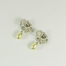 Anting-anting drop mutiara dan berlian