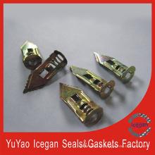Anclaje de acero de martillo con placa de yeso