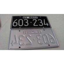 Placa de coche reflexiva encantadora grabada en relieve de encargo / placa del coche / placa decorativa del coche