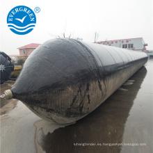 Lanzamiento de la nave levantando bolsas de aire de goma marina