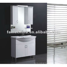 Vaidade com armário de espelho