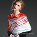 Печатная шелковая атласная лошадь Большой квадратный шарф 100 * 100 см