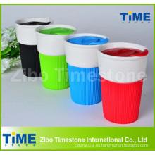 Taza de café de cerámica de la tapa plástica sin la manija