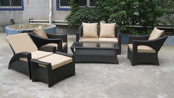 Patio Wicker Ottomans Set
