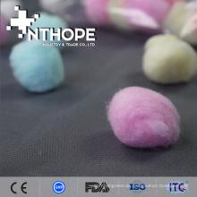 Purpurroter Wattebausch der medizinischen Produktlichtkette