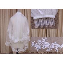 Deux couches de voile avec peigne de mariage