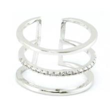 Venta al por mayor de China Joyería para la boda y el compromiso como regalo de amor Oro chapado en plata de ley 925 / Copper Jewelry Fashion Ring (R10402)