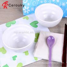 Durable reine weiße geprägte Geschirr Lebensmittel Schüssel, feine Qualität weiß glasiert Keramik Essen Getreide Schüssel