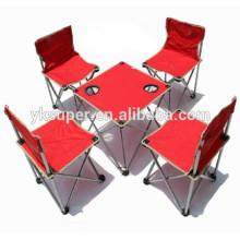 Mesa e tabelas dobráveis para o exterior do acampamento