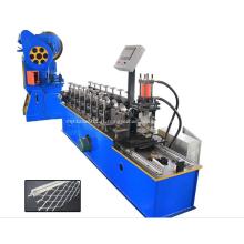 Machine à former les rouleaux à sec