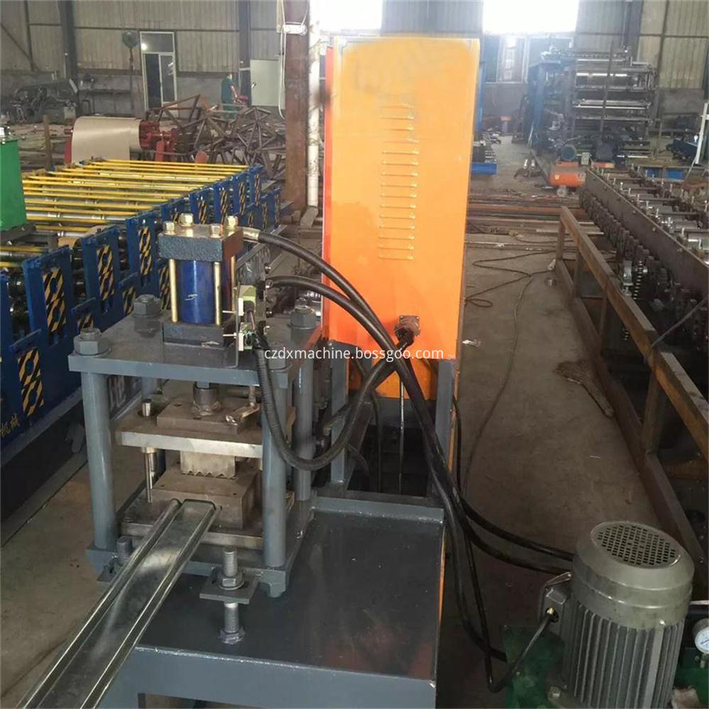 Color steel shutter door roll forming machine