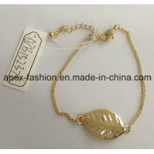 Fashion Lady Metal Gold Plated Bracelet with Leave