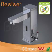 Grifo de sensor de lavabo contemporáneo con ahorro de agua