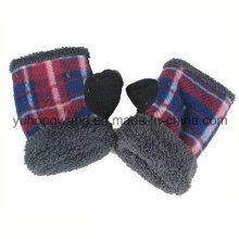 Customized Knitted Warm Polar Fleece Kid′s Gloves/Mittens