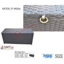 Outdoor furniture PE rattan storage box with large space.