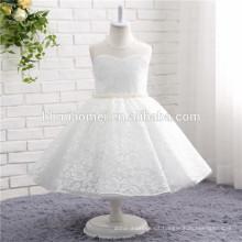 2017 color blanco diseño simple desgaste occidental una pieza vestido de niña niños usan vestido de novia de encaje para niñas