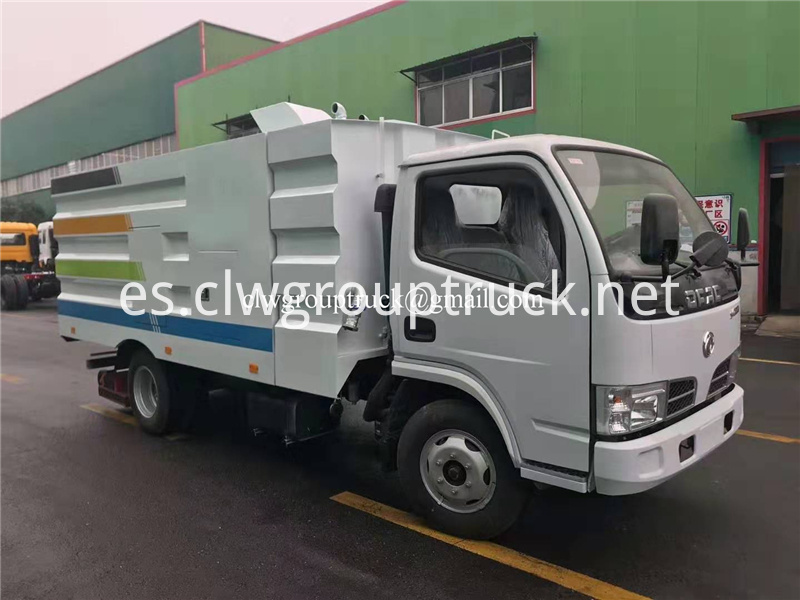 Road Sweeper Truck 9