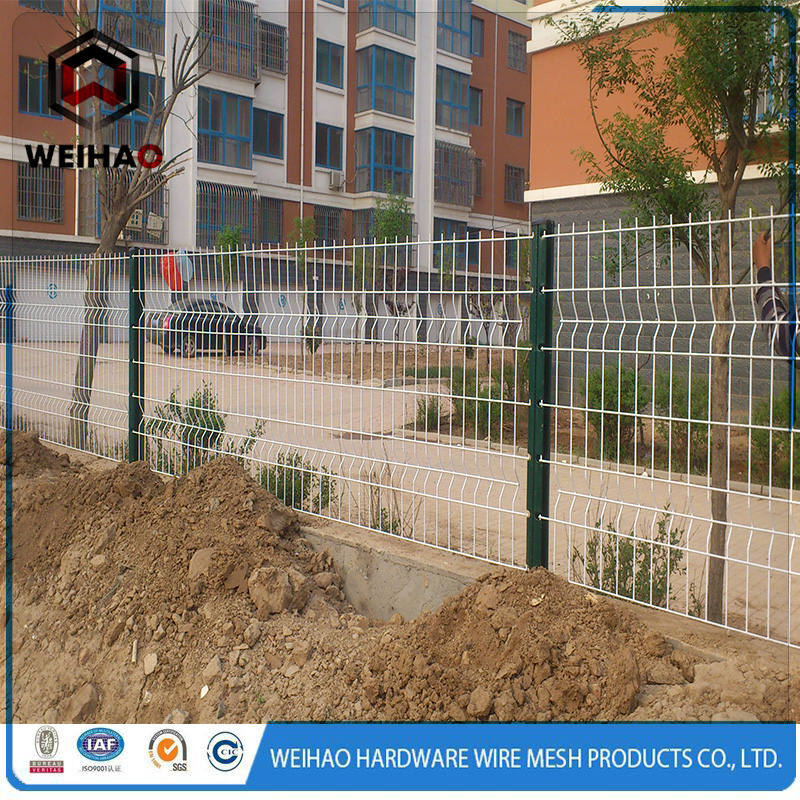 galvanized wire mesh used as fence