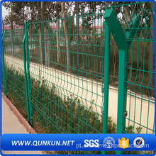 PVC Coated Triangle Bending Fence For Garden