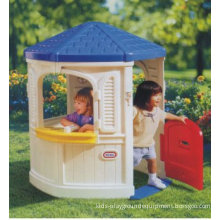 Outdoor Kids Play Garden Pentagon Plastic Cubby House For Games