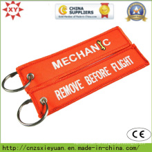 Kundenspezifisches Logo-Stickerei-Flecken Keychain auf Kleidung