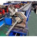 Machine à former des rouleaux de poteau en métal