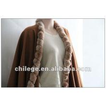 Mode, Damen Kaschmir Umhang, mit Fuchspelzbesatz