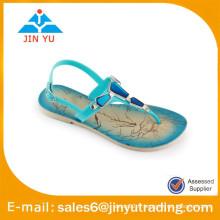 Belles sandales au diamant