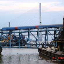 Ленточный конвейер для обработки материалов с защитным портом от дождя