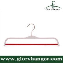 Cintre blanc de vêtements de contreplaqué de qualité de Hight avec la barre ronde antidérapante