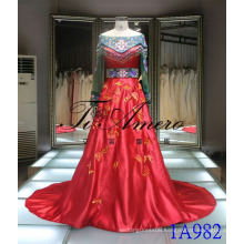 2016 Chinese Style Red Gown Traditional Embroidered Wedding Gown Lace Beading Evening Gown Tiamero 1A982