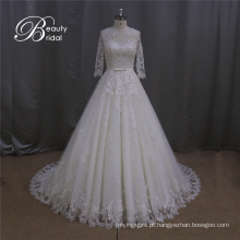 Vestido de noiva branco do laço
