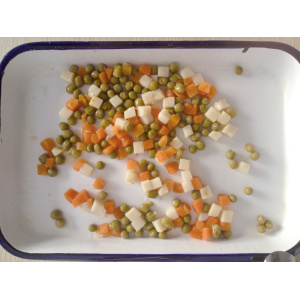 Canned mixed vegetable in brine