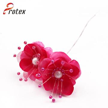 Flores artificiais coloridas bonitas coloridas