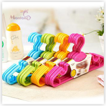 PP Plastic High Quality Clothes Hanger Set of 6 (28*14.5cm)